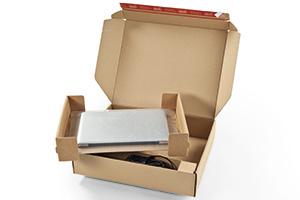 Postversandkartons für elektronische Produkte.