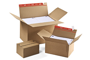Kartons mit Automatikboden in verstellbarer Höhe mit selbstklebendem Verschluss.